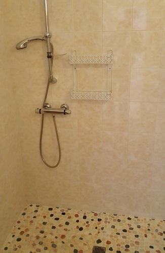 maison-de-retraite-fontenay-douche
